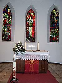 Altarraum der ev. Kirche Fischbach