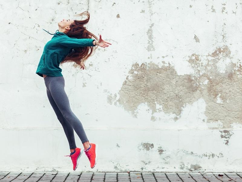 Beschwerden wie Zyklusstörungen, Akne oder Burnout können Ausdruck hormonellen Ungleichgewichts sein. Foto: AdobeStock