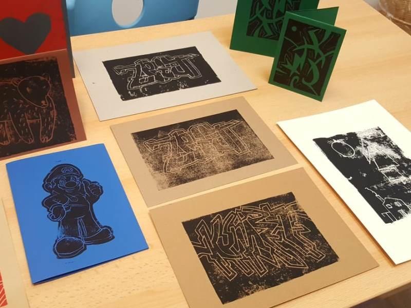 Ausstellung mit Linoldruckarbeiten aus der TaZe in Dillingen