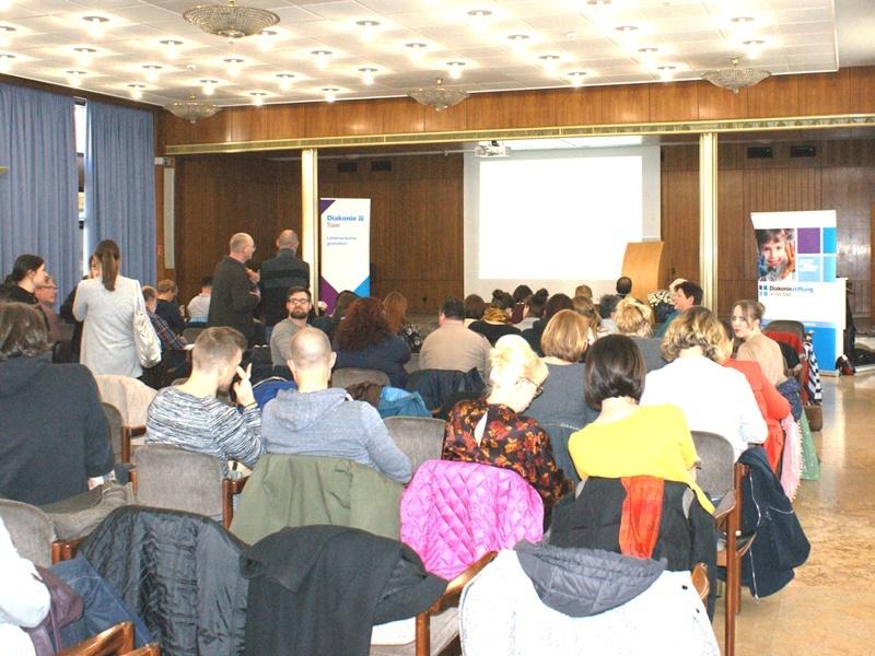 Über 150 Fachkräfte aus der ganzen Region waren zur Fachtagung nach Saarbrücken gekommen. Fotos: Diakonie Saar/ Schneider