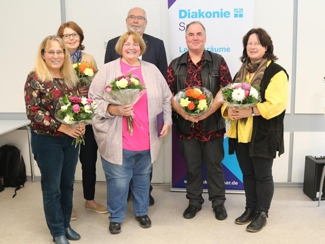 Susanne Schäfer, Claudia Kruse, Andrea Ditzler, Diakoniepfarrer Udo Blank, Thorsten Ewald und Corinna Schmalz-Kuttig (v.l.n.r.) Foto: Diakonie Saar / Stein