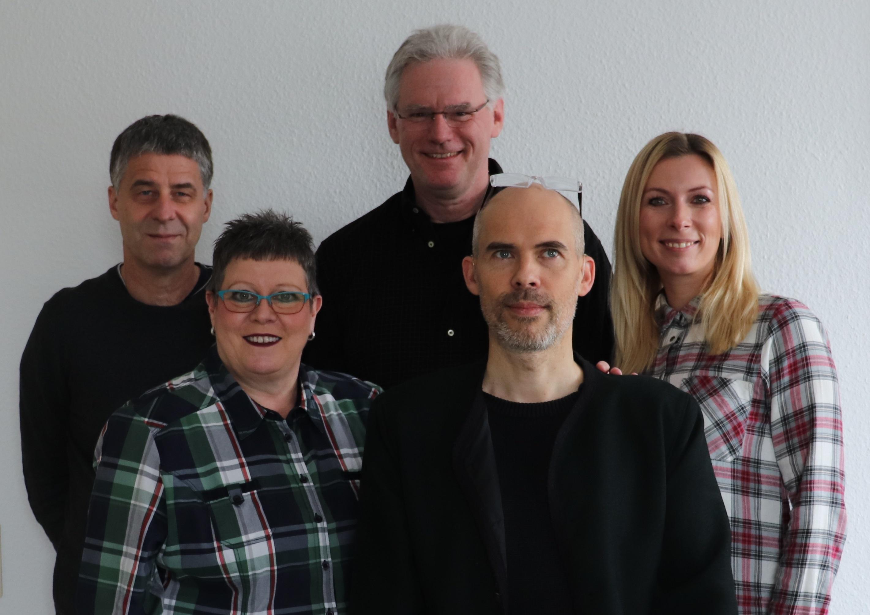 Das Team der Familienbildungsstätte: v.li.n.re: Wolf-Dieter Scheid, Birgit Metzger, Winfried Blum, Gernot Drießler und Anke Schröder.