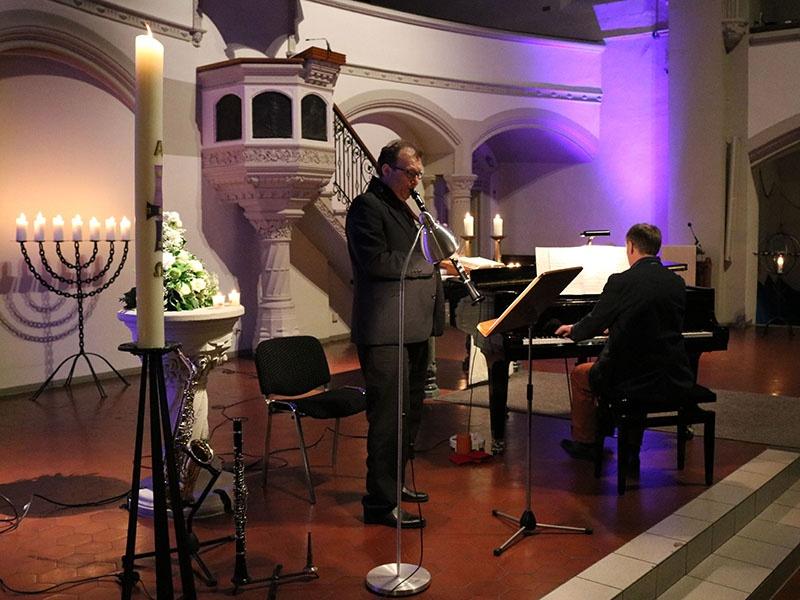 Late Night Jazz mit Ricardo Angel-Peters (Klarinette und Sax) und Peter Maas in der Evangelischen Stadtkirche in Saarlouis. Foto: evks/ Paulus