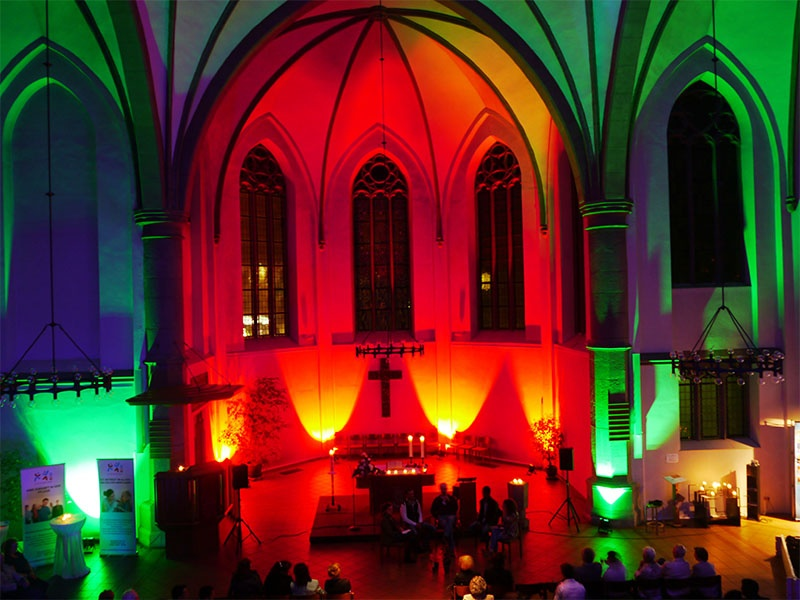 Geschichten und Musik aus vielen Ländern und Kulturen gab es in der Diakoniekirche in Neunkirchen. Foto: EvKS/ Paulus