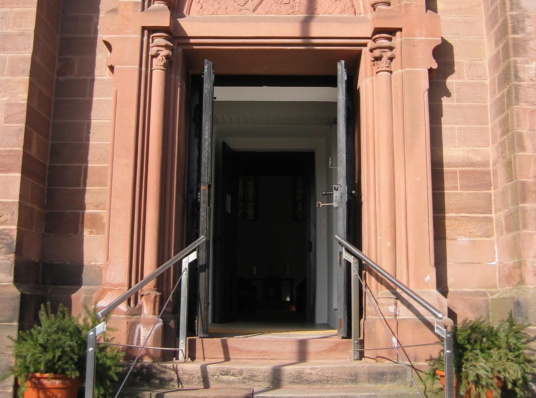 Die Kirchentür wird wieder geöffnet am 14.06.2020