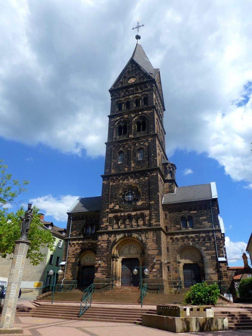 St. Marien katholische Stadtpfarrkirche, Neunkirchen (Foto: St. Marien, Homepage).