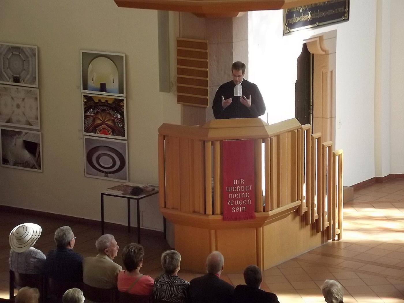 In unseren Kirchen werden die Menschen nicht zurechtgewiesen, sondern es werden gute Worte und Zuversicht verbreitet (Foto: H.-J. Strack)
