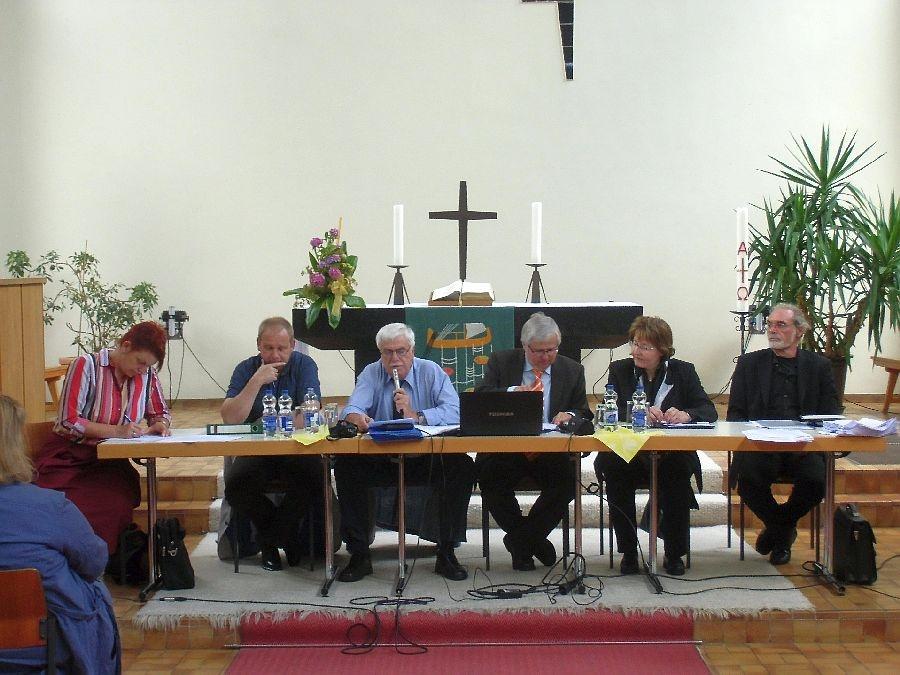 v.l.: Britt Goedeking, Uwe Ludwig, Michael Schneider,  Uwe Schmidt, Christiane Rolffs, Jürgen Ruppenthal (Foto: H.-J. Strack)