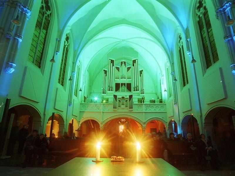 Täglich besinnliche Texte und Musik zum Advent in der Saarbrücker Johanneskirche. Foto: EVKS