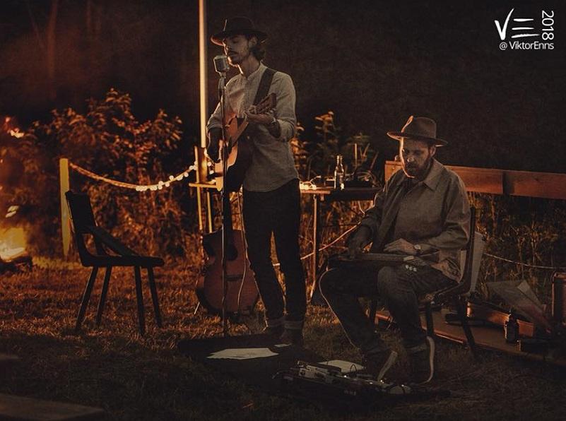 Folk und Blues auf dem Lorenzberg  Gitarrenduo in der Reihe 'Kultur für 25'