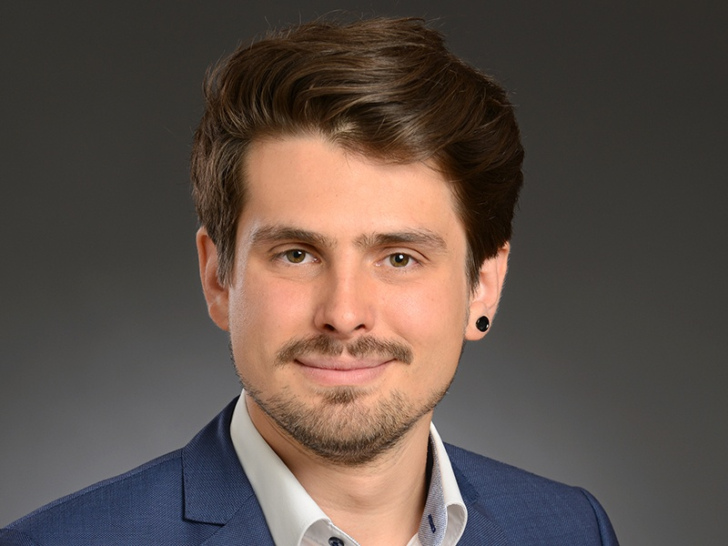 Till Christofzik (27) ist neuer Studienleiter an der Evangelischen Akademie im Rheinland. Foto: Jan Fukuda