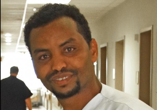 Michael Nigusse Andebirhan kann in seinem neuen Beruf Menschen helfen. Das ist ihm sehr wichtig. Foto: Kreuznacher Diakonie