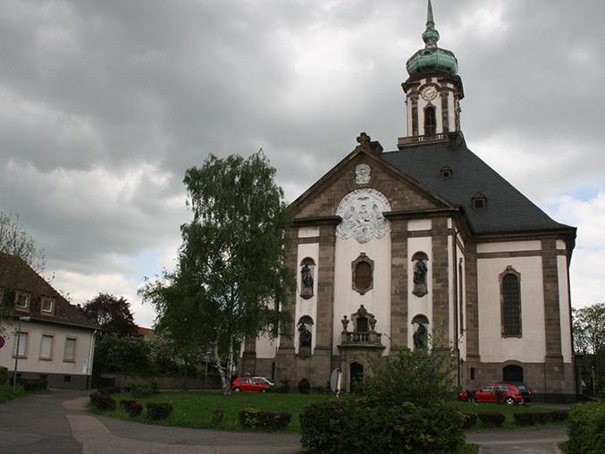 Gesang, Klavier- und Orgelmusik zum Karfreitag in der Versöhnungskirche. Foto: EVKS