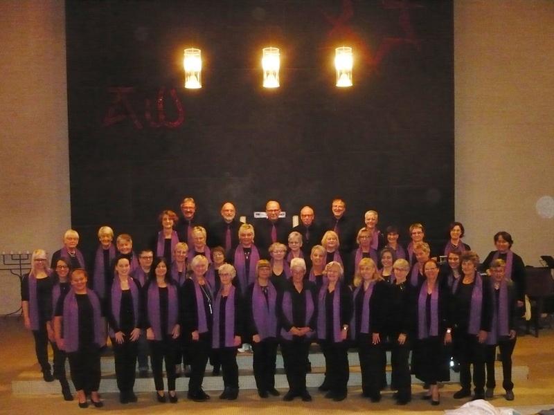 """Das Repertoire des """"Gospeltrain"""" hat Nino Deda in den vergangenen zwei Jahrzehnten kontinuierlich erweitert. Foto: Reinmann"""