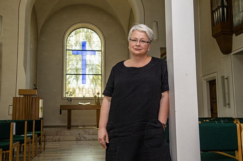 Pfarrerin Andrea Lermen zum Abschied in ihrer früheren Wirkungsstätte, der Evangelischen Kirche in Schaffhausen, Foto: Rolf Ruppenthal