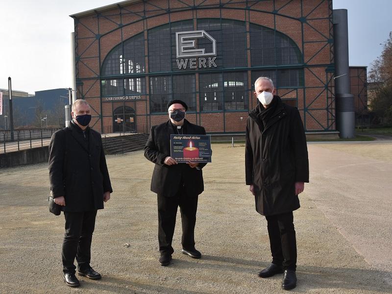 Superintendent Christian Weyer, Diakon Horst-Peter Rauguth und Dechant Benedikt Welter vor dem Saarbrücker E-Werk, Foto: BIP Saar / Ute Kirch