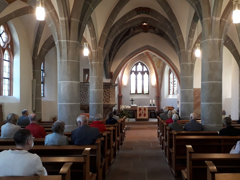 Blick vom Portal in die Martinskirche, Foto: Gerd Kothe