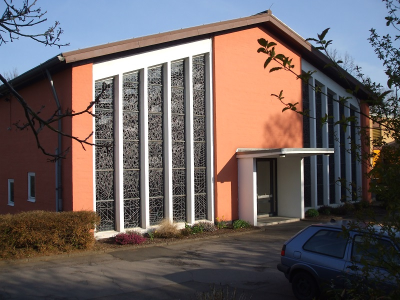 Die Paul-Gerhard-Kirche in Neunkirchen-Wellesweiler, Foto: Hans-Jürgen Strack