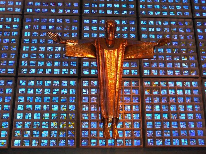 Kreuz in der Berliner Gedächtniskirche, Foto: freie Grafik
