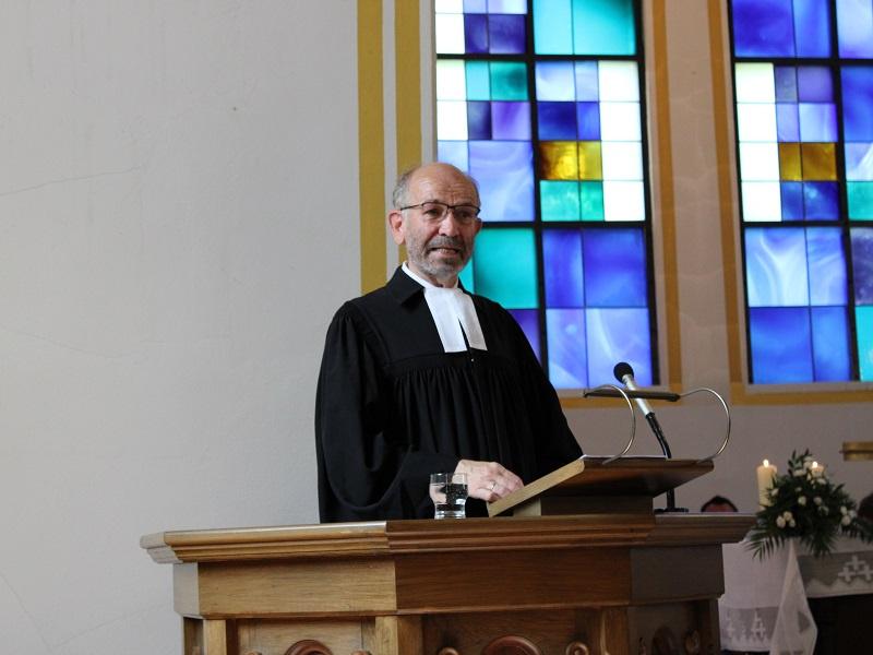 Präses i.R. Manfred Rekowski war diesen Juni in der Evangelischen Kirche Altenwald, Fotos: evks/Eulenstein