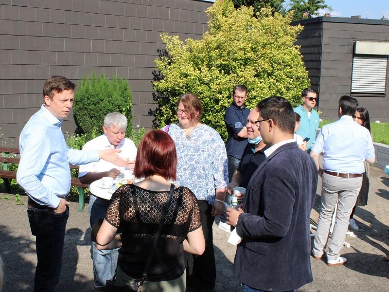 Am Morgen blieb auch Zeit zum 'Kaffeeklatsch' mit Mitgliedern des Presbyteriums, Foto: evks/Eulenstein