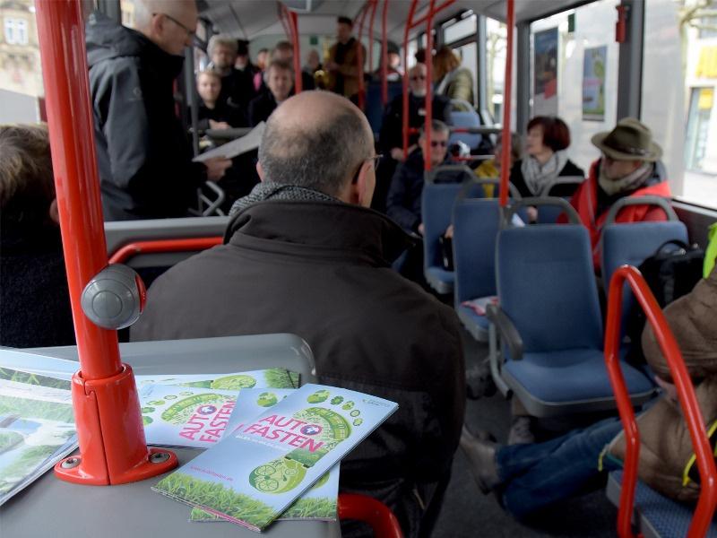 Auftakt für Autofasten war in einem Bus der KVS in Saarlouis. Foto: bip/ Holl