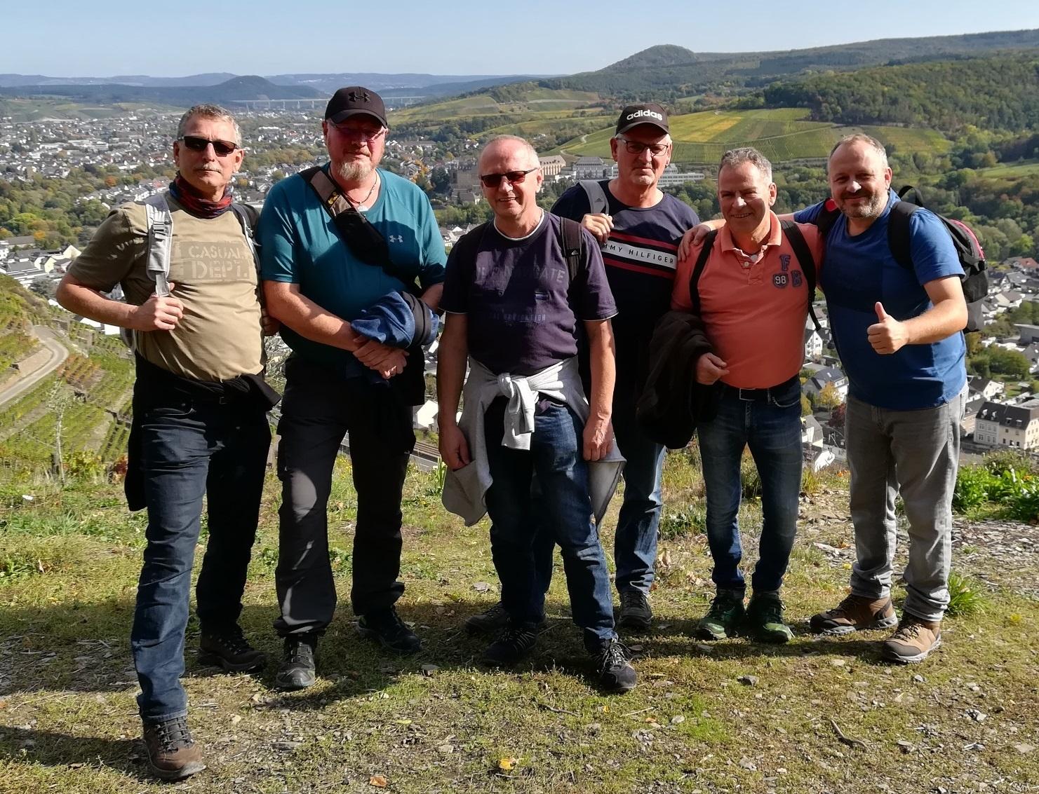 Männerarbeit in der Gemeinde - Wanderung auf dem Rotweinwanderweg