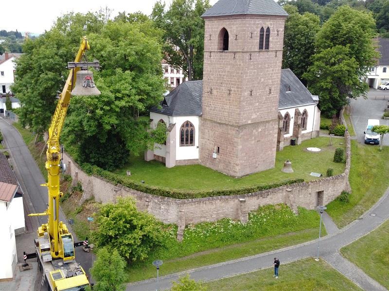 Der Ausbau der alten Glocken, Foto: Matthias Martine