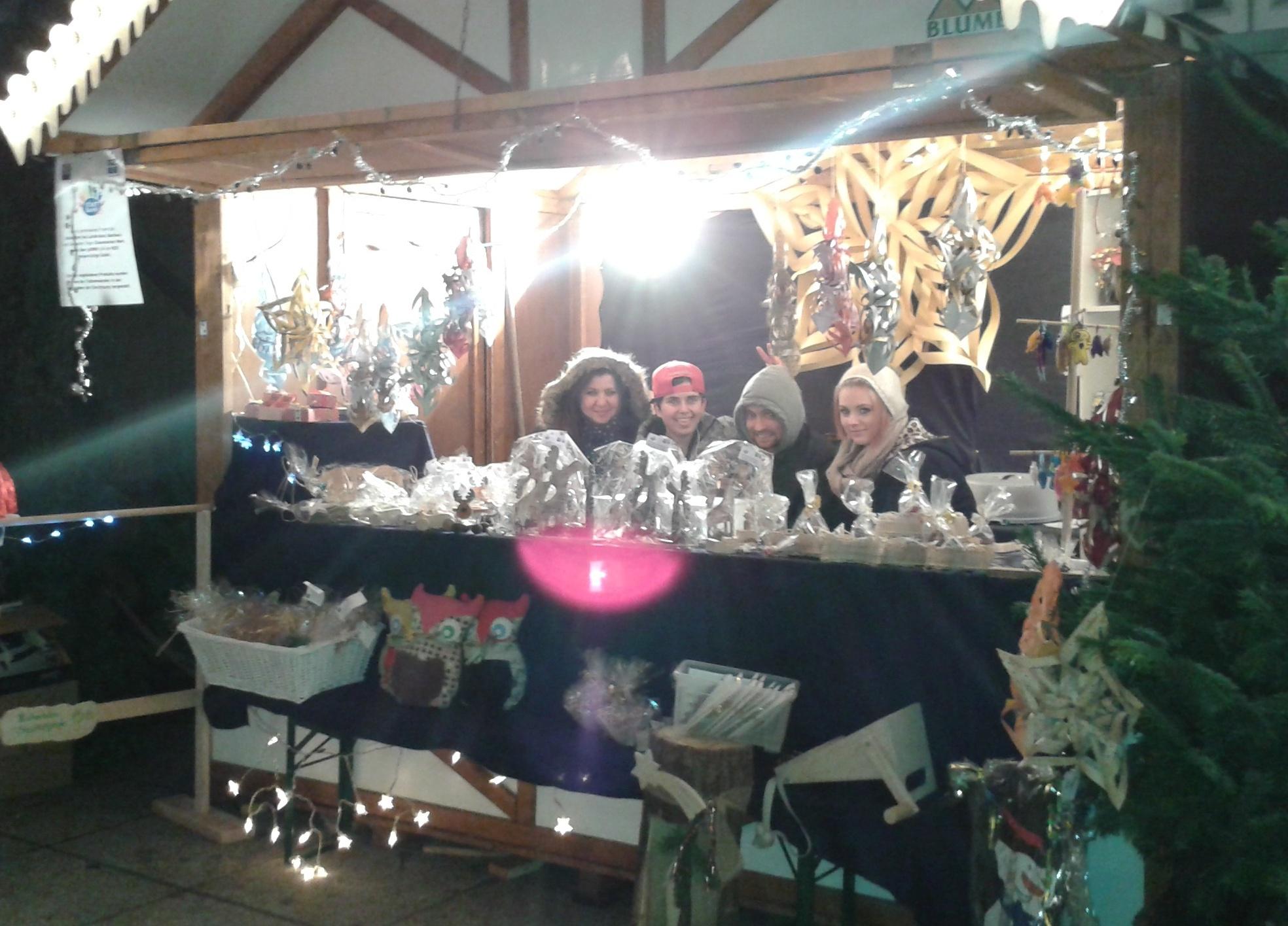 Startbahn25 Stand auf dem Weihnachtsmarkt